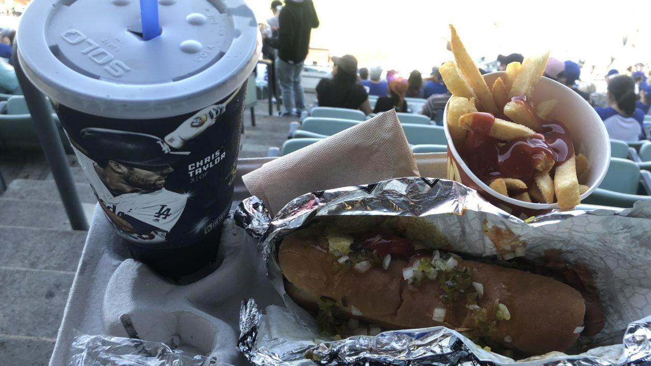 ドジャースタジアムのホットドッグ