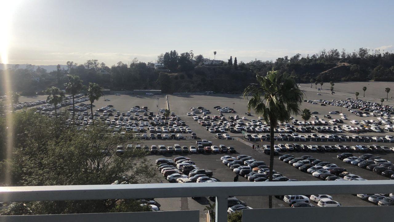 ドジャースタジアム駐車場